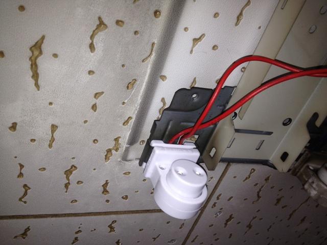 照明器具修理 施工事例 施工中