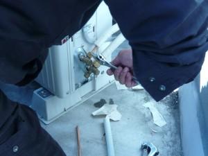 エアコン取付工事 名古屋市北区 施工事例 外機接続