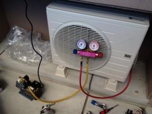 エアコン取付工事 施工中 名古屋市北区