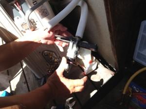 エアコンガス補充工事 名古屋市東区 施工中