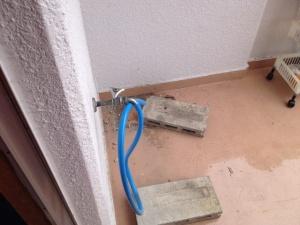 エアコン脱着工事 名古屋市千種区 施工中