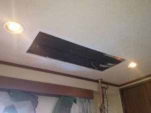 エアコン取替工事 名古屋市東区 施工中