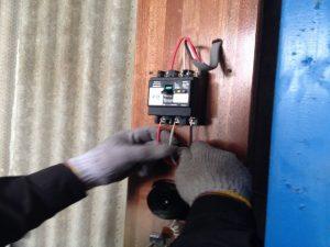 動力電源工事 名古屋市港区 施工中