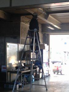 照明器具取替工事 名古屋市北区 施工中