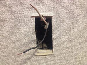 名古屋市西区にてコンセントの取替工事を行いました。
